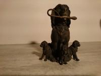 Statuette chiens - chienne et ses 4 chiots