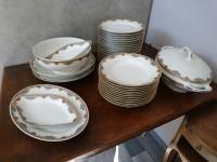 Service vaisselles porcelaine france.