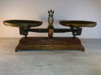 Balance type roberval avec les plateaux force 10 kg