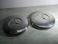 2 enjoliveurs Mercedes métal chromé modèle ancien