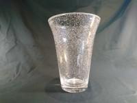 Grand vase en cristal bullé signé à la base Daum France .